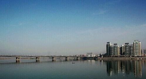 襄阳长虹大桥开始刷黑