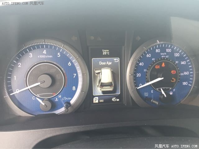 丰田塞纳顶配四驱现车灰色一台 价格实惠