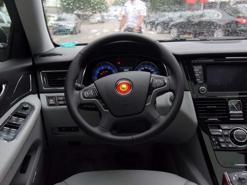 北京汽车 正文  红旗h7内饰方面:中控台上方的按钮排