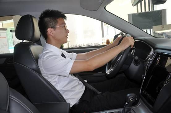 互联网SUV 荣威RX5申孚荣威店实拍高清图片