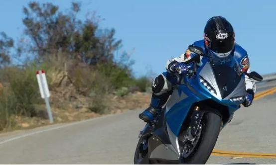 雅迪电动摩托车 续航可从北京到石家庄