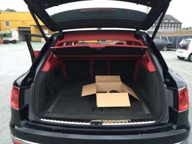 欧规版宾利添越天津港现车四驱6.0发动机V8最新报价