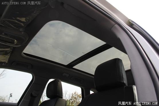 众泰推出首款中型SUV 大迈X7 东莞实拍