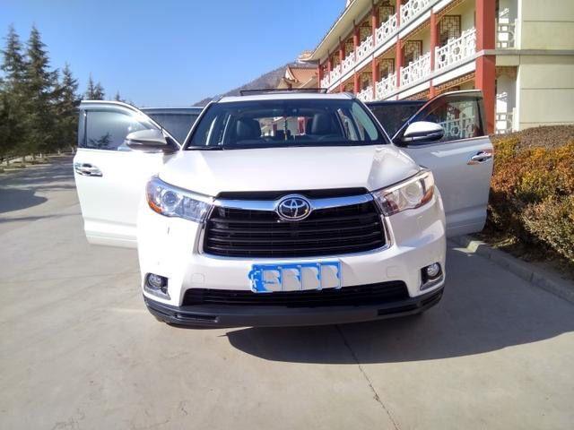 目前七座广汽丰田汉兰达现车在售,店内车型配置丰富,颜色齐全,高清图片