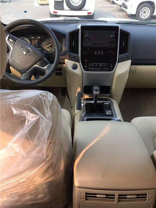 17款丰田兰德酷路泽4000 丐版有电椅促销中