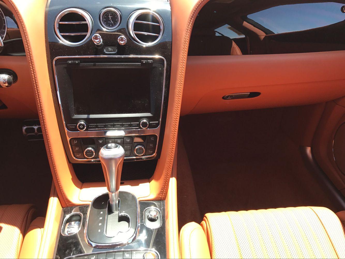 17款宾利飞奔V8奢华座驾尽享极致舒适天津现车可分期