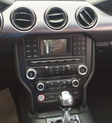 17款福特野马2.3T优惠性能版低价促销