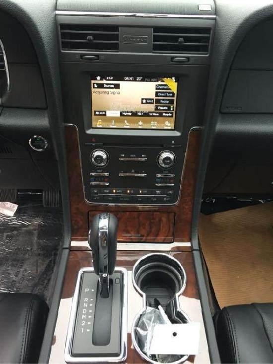 2017款林肯领航员全尺寸SUV 现车享优惠