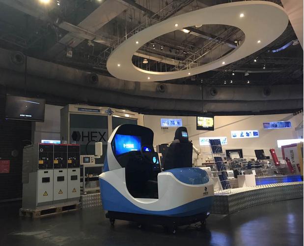 睿航车模拟驾驶器