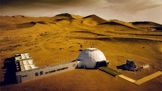 梅赛德斯奔驰沙漠越