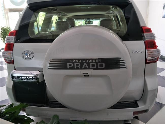 17款丰田霸道4000也继承了丰田纯正的越野血脉,在全力加速时呼啸高清图片