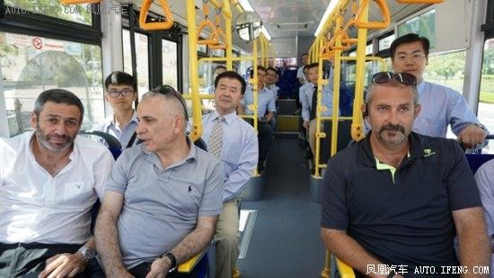 以色列首条纯电公交中国造