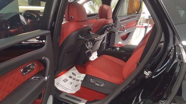 2017款宾利添越6.0T欧版顶级超豪华SUV 天津港现车全