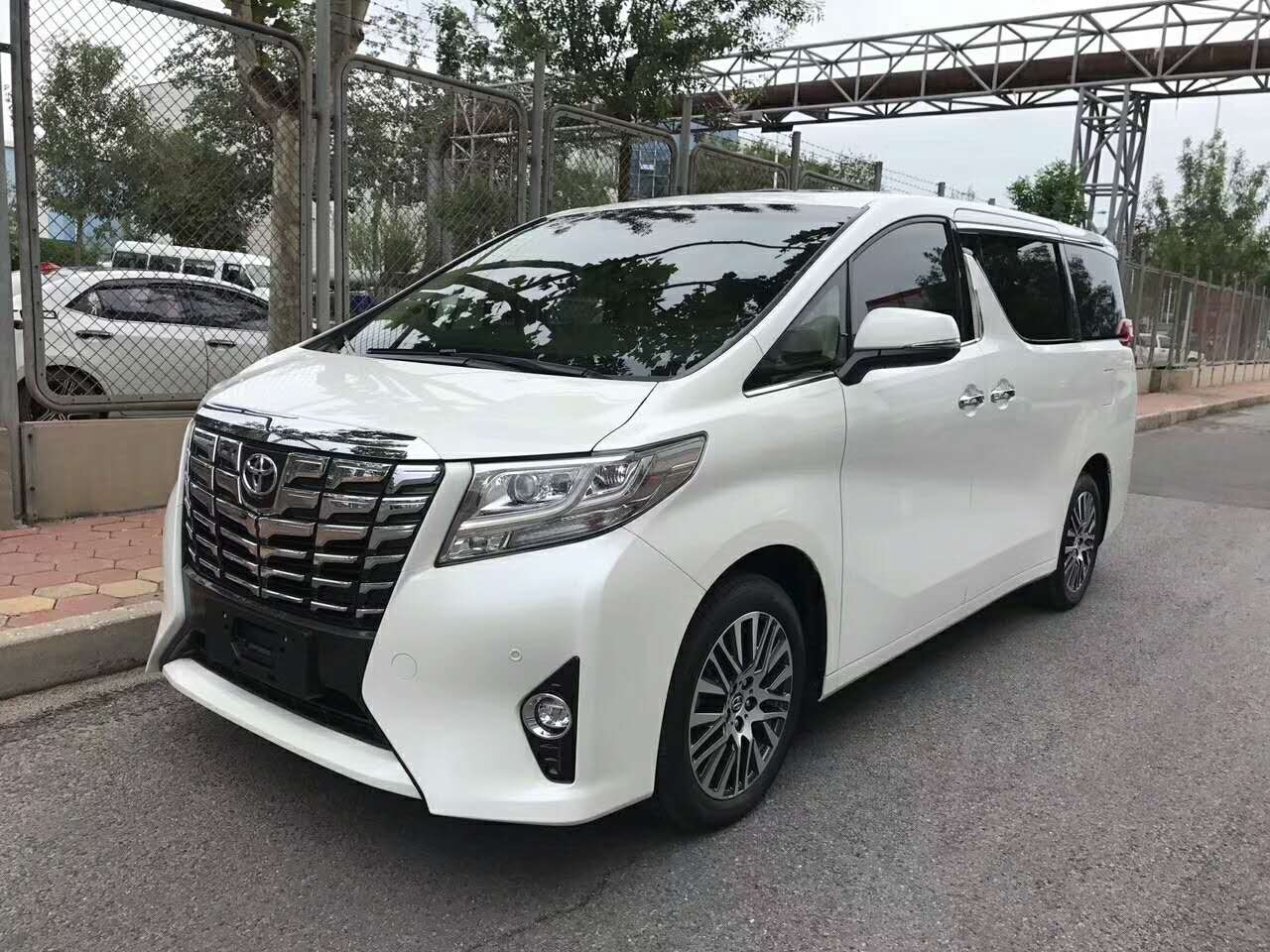 丰田埃尔法3.5L 中规顶级豪华7座商务车