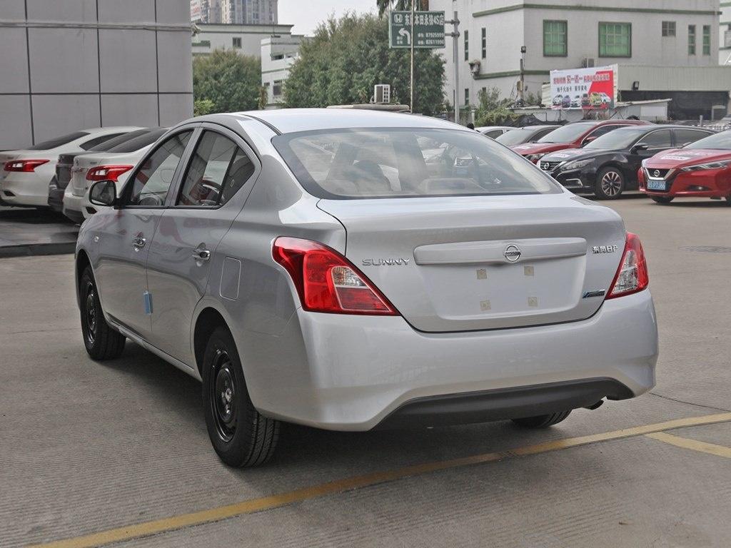 凡在本店购车成功者可凭有效依据(车票),报销来京时的单程路费,仅两人。还可获免费赠神秘精美礼品一份(汽车豪华装饰大礼包)(活动期以内):17319012427