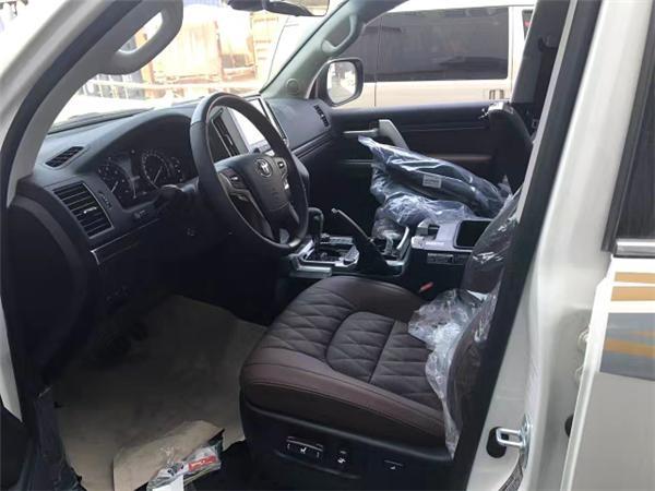 2017款丰田酷路泽5700  VXS限量版最新现车报价