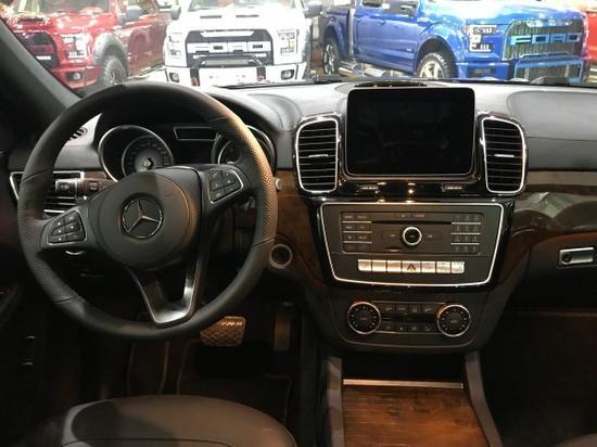 18款奔驰GLS450报价  7座超大车身