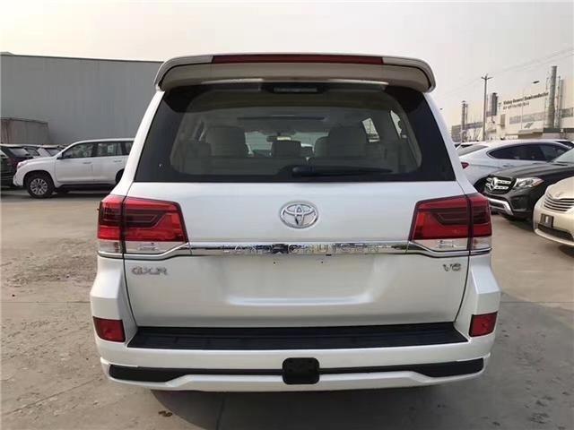 2018款丰田酷路泽4000中东版库房大量现场冬季暖心价格