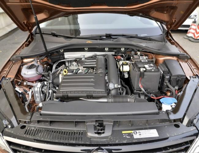 动力总成匹配:上海大众凌渡将分别搭载1.4TSI(高/低功率版)和1.8TSI发动机。其中高功率版1.4TSI发动机拥有最大功率110千瓦,扭矩峰值可达250牛·米;而代号为EA888的1.8TSI增压发动机则拥有132千瓦最大功率,最大扭矩为300牛·米。传动方面将会有5速手动、7速干式DSG和7速湿式DSG变速箱可供选择。其中全新的7速湿式DSG双离合变速箱型号为DQ380。 本店购车五重保障: 第一重保障:原厂正规商品车 确保全新车非事故返修车 第二重保障:保证质量 确