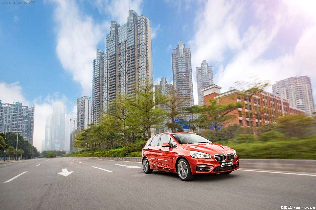 新概念减肥 BMW 2系旅行车载你创新塑形