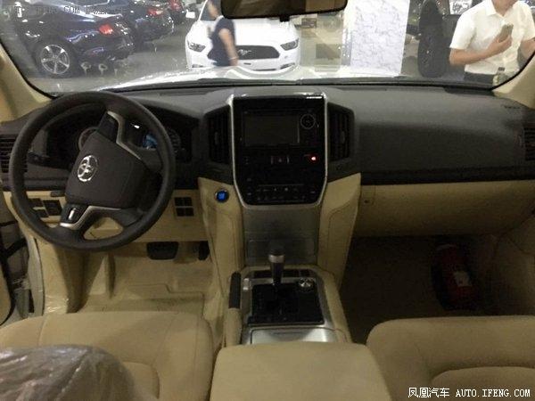2018款丰田酷路泽4000 对比17款详细区别-图7