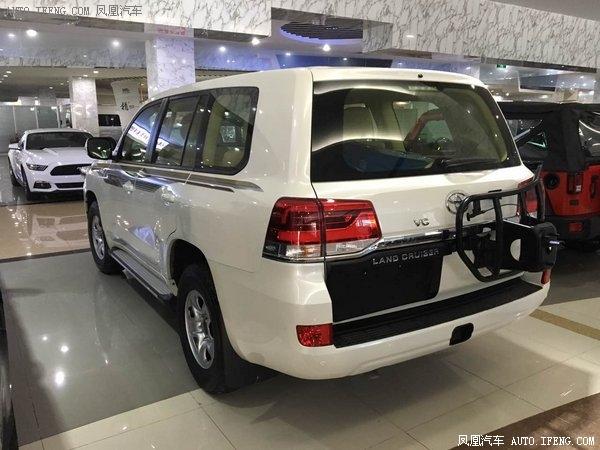 2018款丰田酷路泽4000 对比17款详细区别-图4
