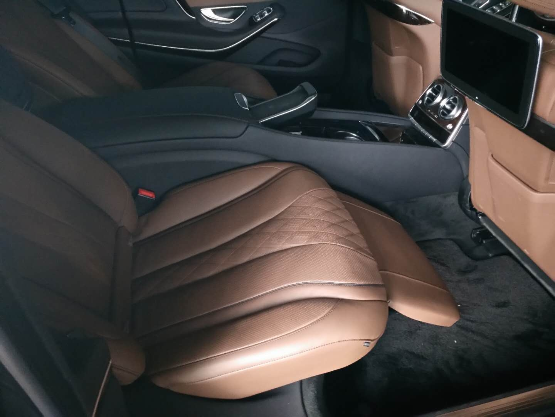 奔驰迈巴赫S450全时四驱尊贵驾驭独霸一方