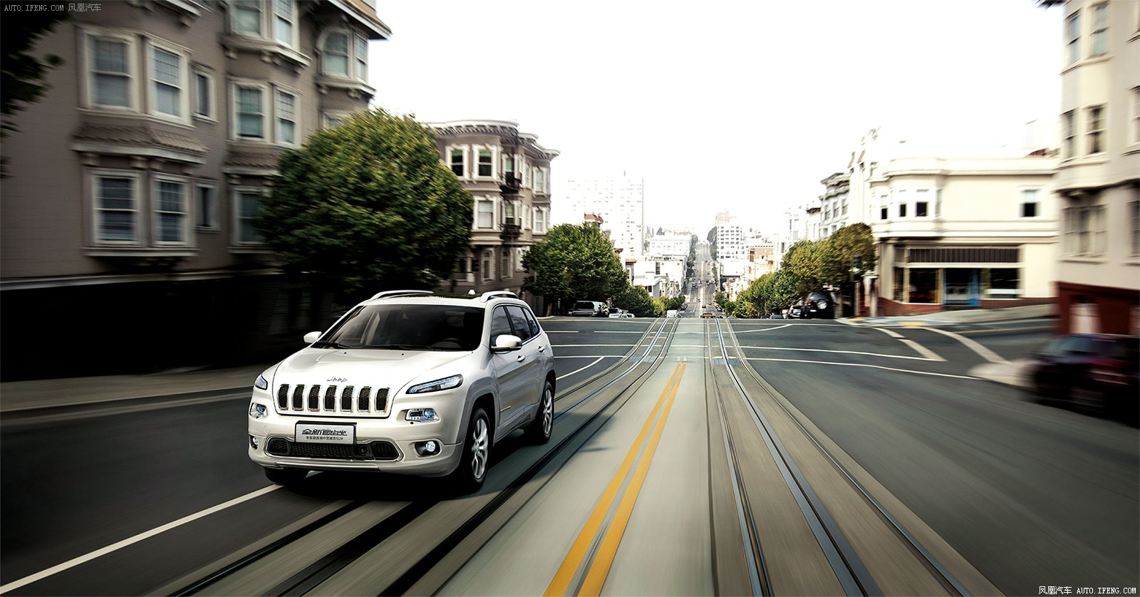 最新款jeep自由光报价及配置最低多少钱