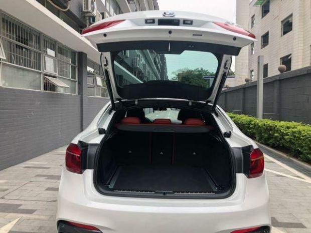18款宝马X6轿跑式时尚SUV 开车是一种享受