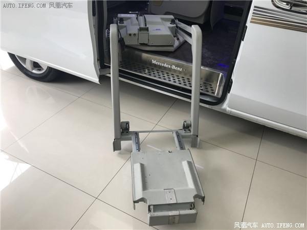 奔驰威霆改装威霆福祉车残疾人士专用车辆