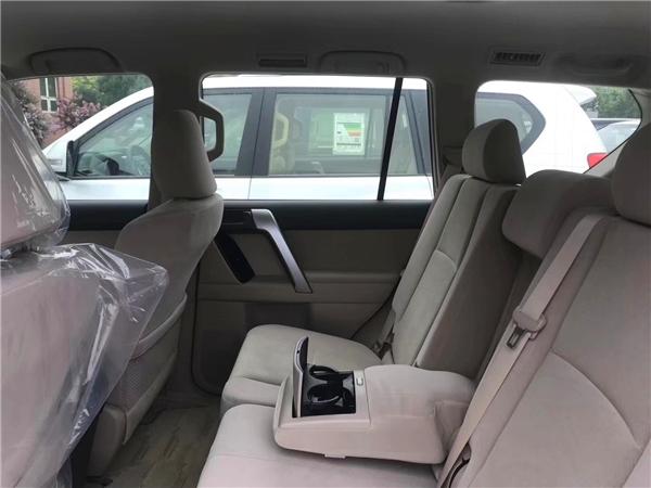丰田普拉多2700卡塔尔版 哪款配置更实用
