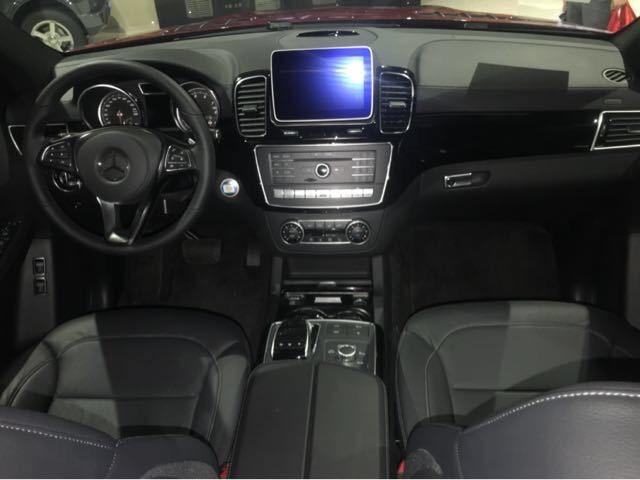 18款奔驰GLS450配置价格 八月促销价超优惠
