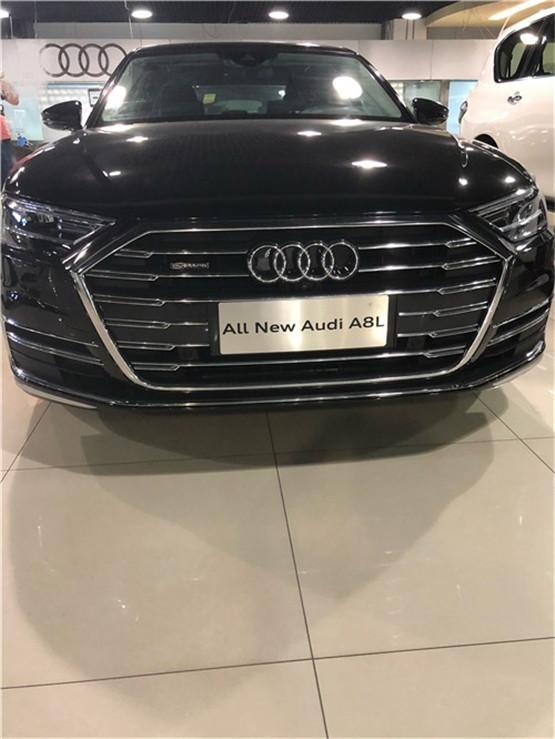 2018款奥迪A8L店内现车 奢华商务轿热惠