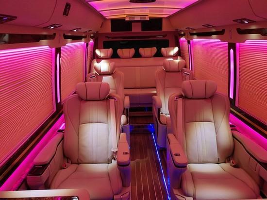 丰田考斯特集众多优势于一身的商务车