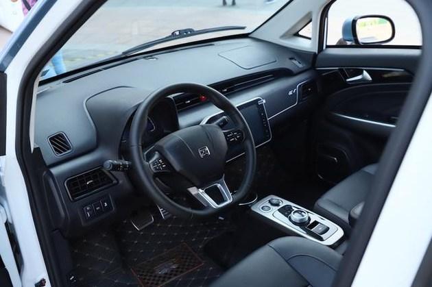 纯电动SUV众泰E200最低报价 促销优惠价