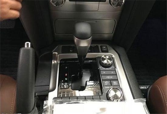 启东18款酷道泽5700VXR最低价值 陆巡57油耗动力