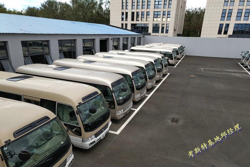 商务房车丰田考斯特领先于同级中巴车
