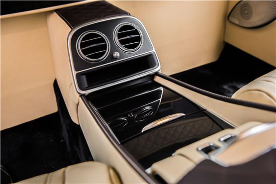 19款奔驰迈巴赫S560现车报价 加多少钱