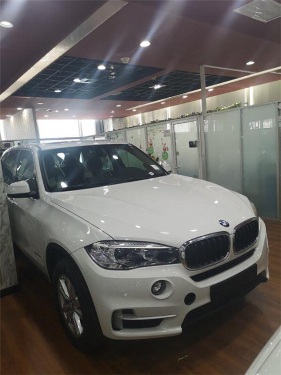 18款宝马X5汽油3.0T 特价优惠手续随车