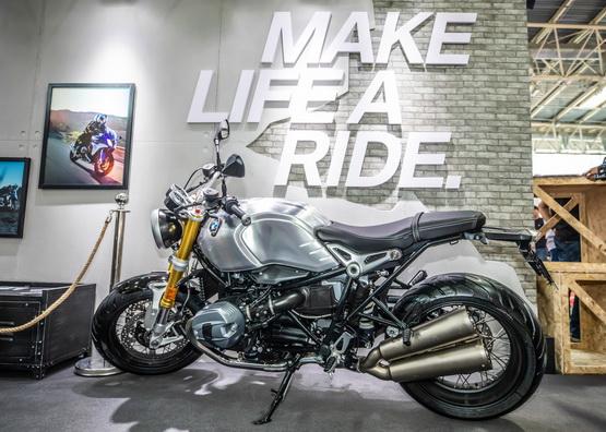 BMW 摩托车亮相2019北京国际摩托车展