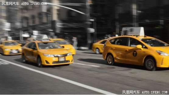 西安五一(云)车展刺激车市加速回暖 行业新闻 丰雄广告第3张