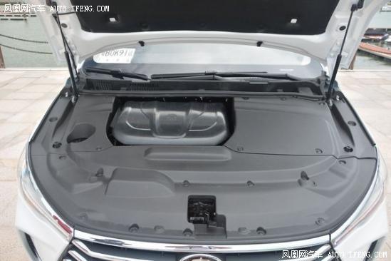 比亚迪  1.5T 发动机舱