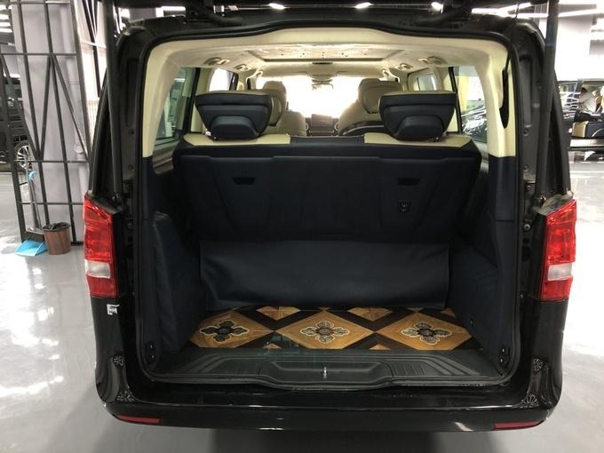 奔驰V250改装版商务车 高端商务舱新体验-图4