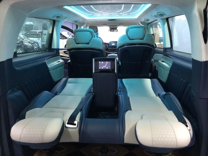 奔驰V250改装版商务车 高端商务舱新体验-图10