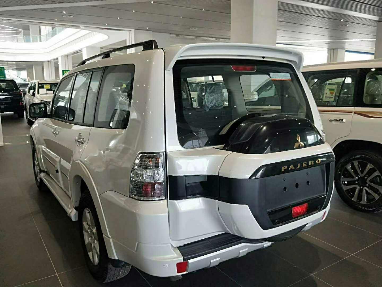 19款三菱帕杰罗V97现车 最新价格配置解读