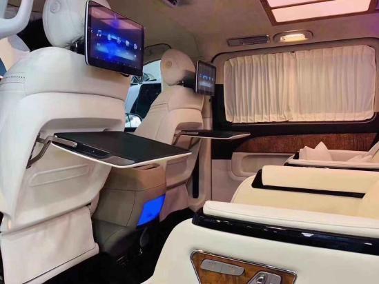 奔驰V260迈巴赫VS680改装商务 爱马仕内饰