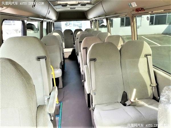 丰田考斯特11座行情 20款丰田柯斯达11座改装配置