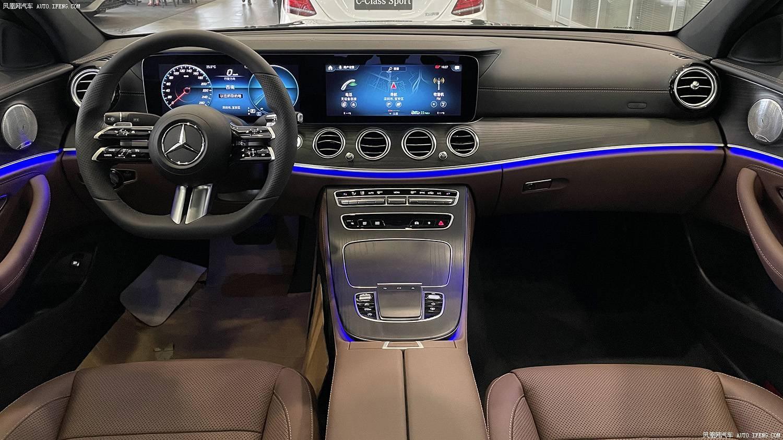 告别排量争议 配置微增 奔驰2021款改款E300L实拍简评